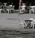 Пластмасови бели столове за хотели