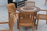 Стол от пластмаса кафяв, с ниска цена