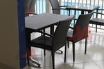 Уникални черни стойки за маса