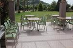Пластмасови столове за лятно заведение, с разнообразни размери