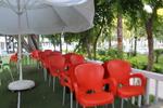 Пластмасов кафяв стол за бар