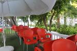 Пластмасови кафяви столове