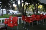 Пластмасови столове червени сладкарници