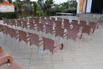 Пластмасови столове за заведение, с различни цветове