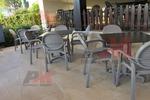 Стол от пластмаса за лятно заведение