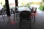 Пластмасов стол за открити пространства на басейни