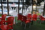 Стол от пластмаса червени