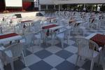 Пластмасов бял стол, за външно ползване