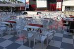 Устойчиви бели столове, от пластмаса