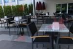 Столове от метал за ресторанти за външно ползване