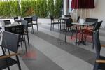 модерен метален стол за външно и вътрешно ползване