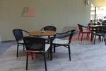 Метални столове за кафене с разнообразни размери
