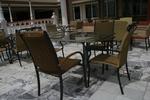 Стол,произведен от метал за плаж с различен вид седалка