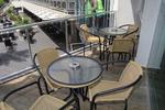 Универсален стол от метал за открито заведение за вътрешно и външно използване