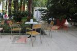Здрави метални столове за заведения