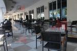 Олекотени основи за маси за ресторанти