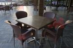 Качествена база за бар маса за заведение