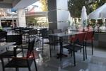 Модерни стойки за бар маси за хотели