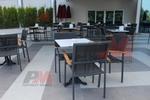 Комфортен метален стол за открито заведение