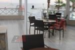 Здрави верзалитови плотове за маси за бар на плажа