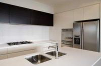 Поръчкова изработка на мебели за модерна кухня  София вносители