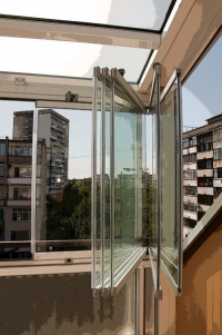 Изграждане на остъклени балкони