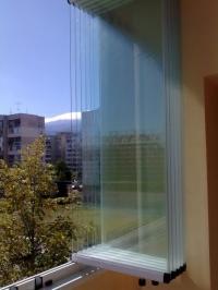 Сгъваема дограма за остъкляване на балкони