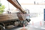 Извършване на изкопни работи с багер