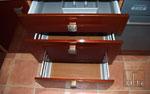 Кухня по поръчка със стандартни шкафове в тъмно кафяво 233-2616