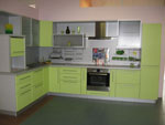 Кухненско обзавеждане по проект в тревно зелено 690-2616