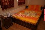уникални български масивни спални и нощни шкафчета