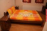 изработка по поръчка на дървена масивна спалня с нощни шкафчета
