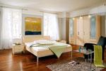Семпъл дизайн за спалня по поръчка в кайсиево с висока метална конструкция 71-2618