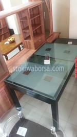 изработка на стъклена маса по поръчка