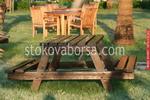 Изработка на дървени маси за заведения