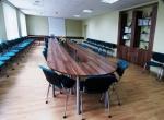 заоблена заседателна маса 19 места
