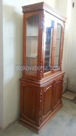 производство на стъклени дървени витрини по поръчка