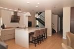Поръчка на мебели за модерна кухня вносител