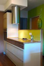 Кухня с чекмеджета