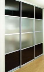поръчки гардероби с плъзгащи врати