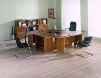 Офис в тъмен дървесен цвят