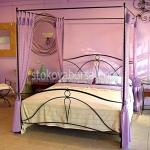 легло с балдахин от ковано желязо