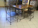 Столове и маса от ковано желязо за външно ползване