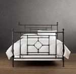Спалня с прави форми от ковано желязо