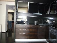 Трайни кухненски мебели от MDF естествен фурнир и дъб