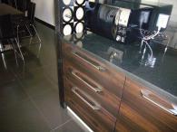 Качествени мебели за кухня от MDF естествен фурнир и дъб