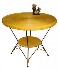 Кръгла маса от метал и ратан