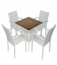 Трапезна квадратна маса и 4 стола в бял ратан