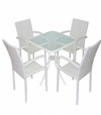 Маса квадратна от бял ратан и 4 стола