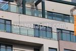парапет за тераса от алуминии и стъкло